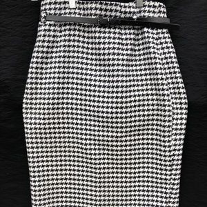 Houndstooth Black and White Pencil Skirt